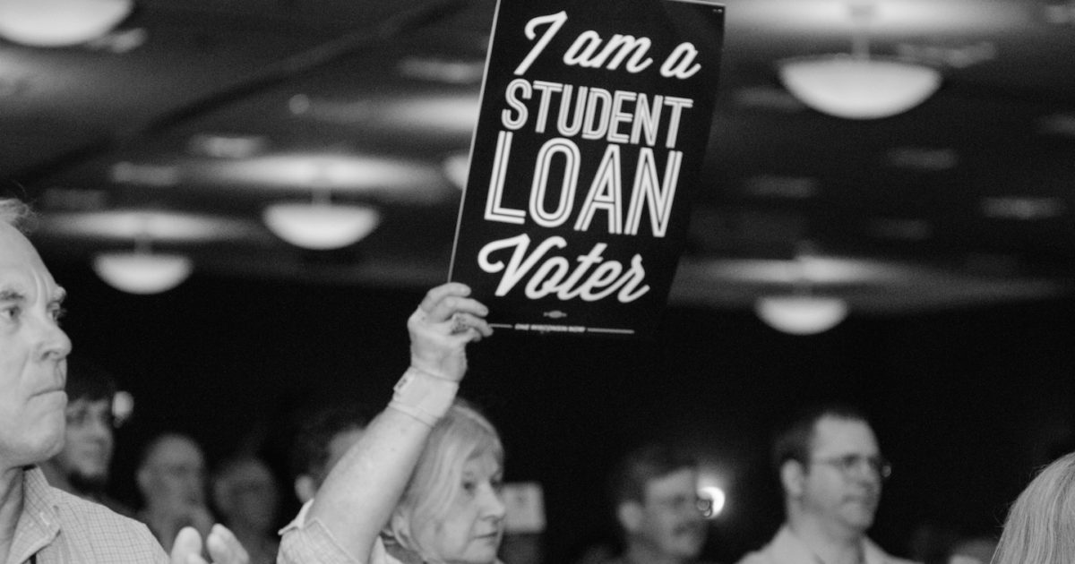 i am a student loan voter sign