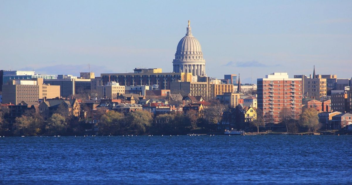 madison wisconsin capitol skyline